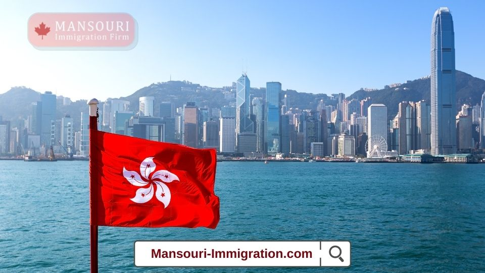 The number of Hong Kong residents who immigrated to Canada last year dropped 28%