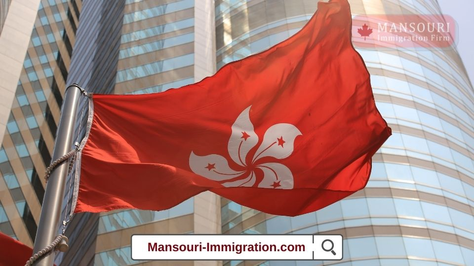 Nearly half of Hong Kongers want to immigrate